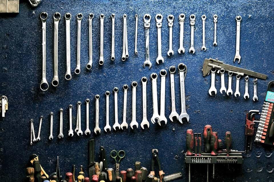 5 rzeczy, które każdy kierowca powinien mieć w swoim garażu.
