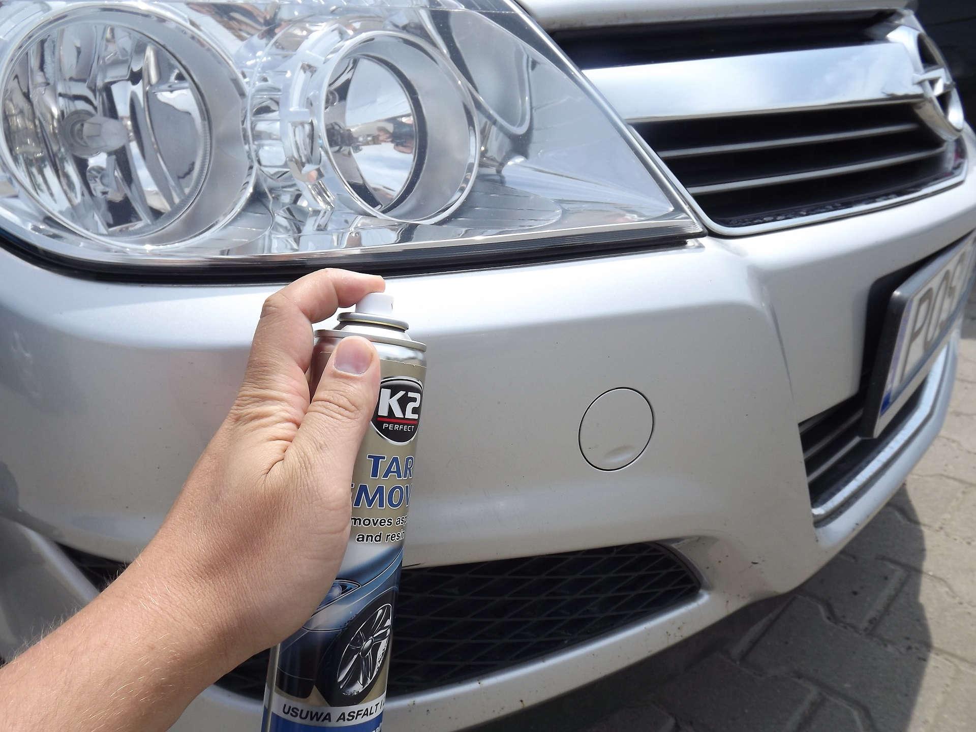 zderzak-samochodu-czyszczony-przy-pomocy-k2-tar-remover