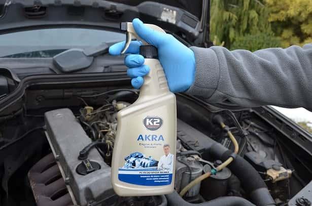 akra-plyn-do-czyszczenia-silnika