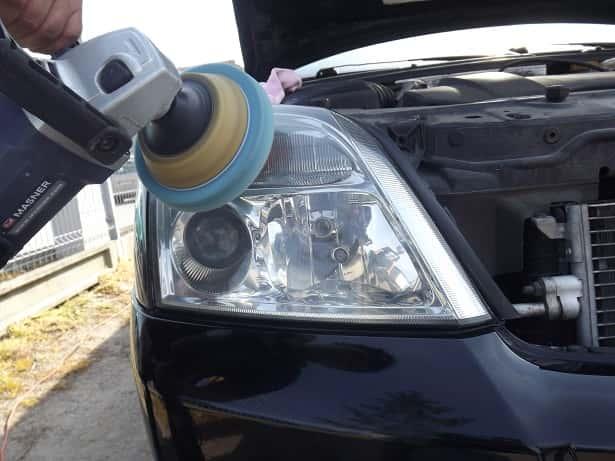polerowanie-reflektorow-maszyna-polerska