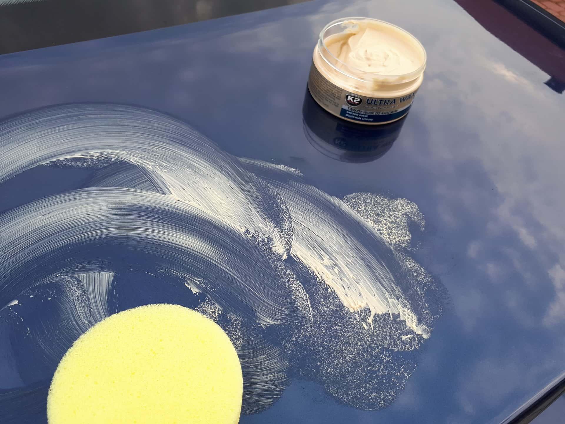 Woskowanie samochodu, dla utrzymania efektu wosku koloryzującego