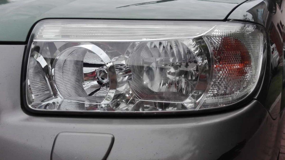Polerowanie reflektorów w 11 letnim Subaru Forester 2.0