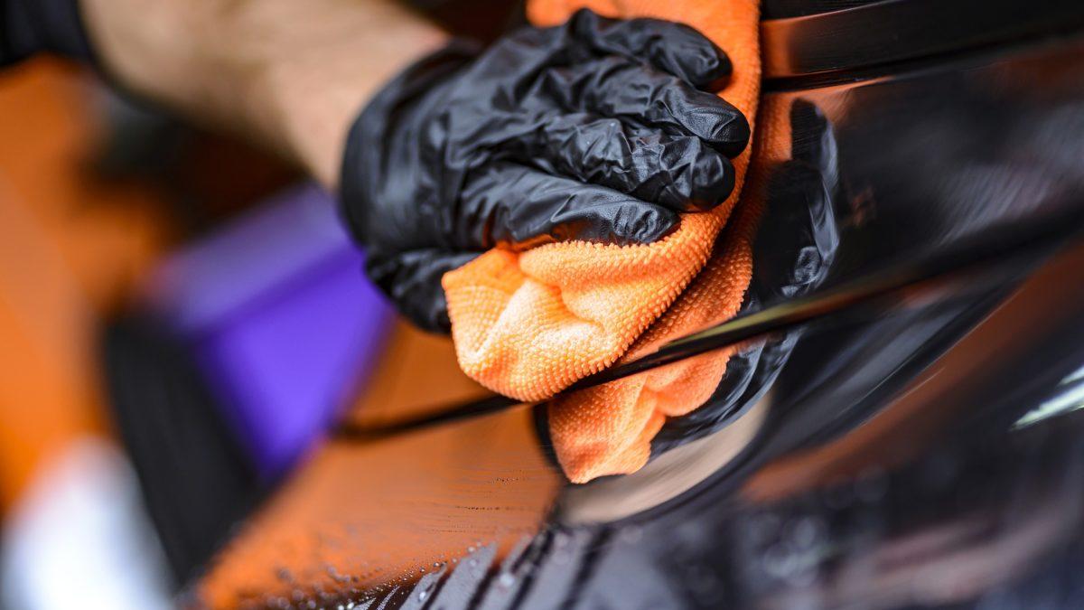Dekontaminacja lakieru – 5 kroków do idealnie czystego lakieru