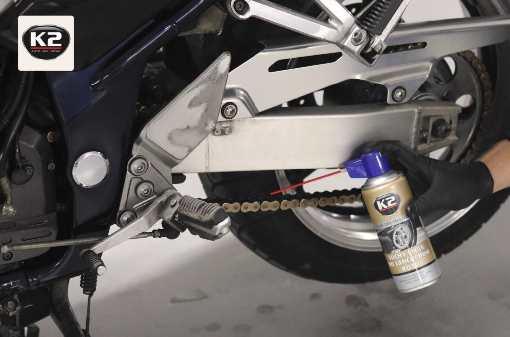 Użycie suchego smaru na łańcuchu motocyklowym