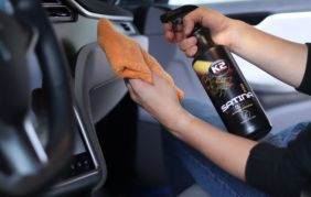 Interior dressing, czyli jak pielęgnować plastiki wewnętrzne w samochodzie
