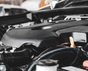 Budowa silnika samochodowego – zasady działania jednostki napędowej